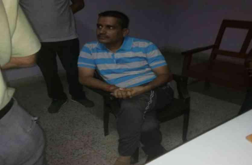 एसीबी टीम की बड़ी कार्यवाई- जज के गनमैन से रिश्वत लेते पुलिस अधिकारी को किया गिरफ्तार