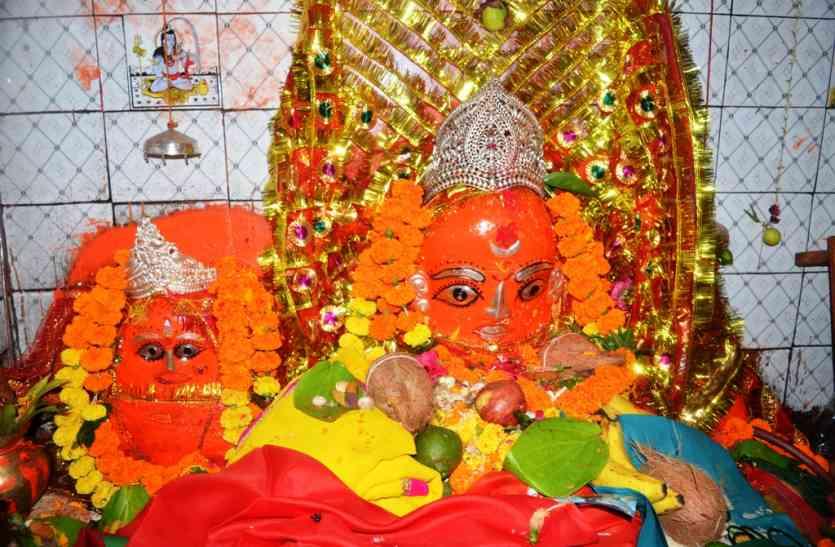 नवरात्र स्पेशल : चार सौ वर्ष पुराने इस मंदिर की माता देती हैं संतान सुख