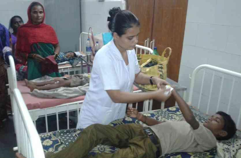 सिरवाबांधा में दूषित पानी पीने से 10 ग्रामीण बीमार
