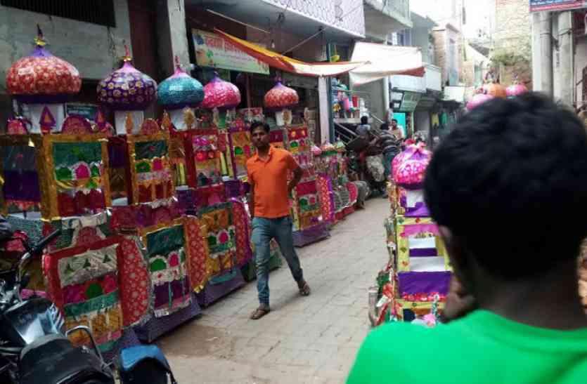 आस्था पर भारी पड़ रहा GST, त्योहारों का रंग हुआ फीका