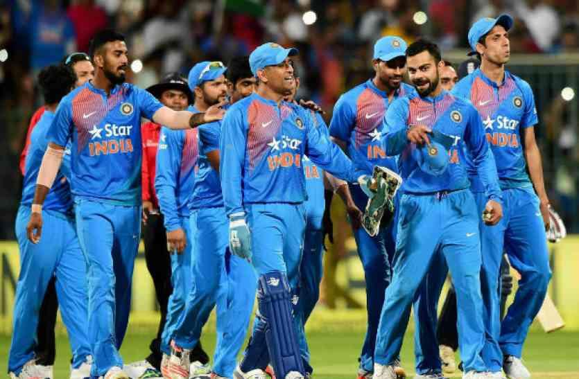 वो भारतीय क्रिकेट खिलाड़ी जो पहनते हैं इन मशहूर ब्रैंड्स की घड़ियां, कीमत जानकर उड़ जायंगे होश!