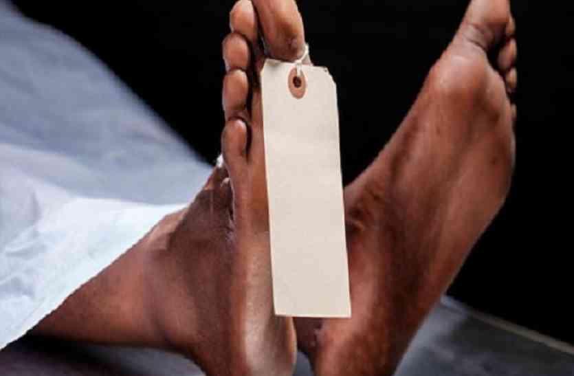 यूपी के मिर्जापुर में बुजुर्ग की पीटकर हत्या, गांव में तनाव