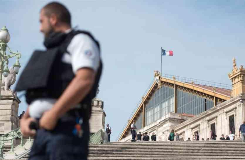 फ्रांस : मार्सिले रेलवे स्टेशन पर शख्स ने 2 लोगों को चाकू से गोदा, हमलावर ढेर