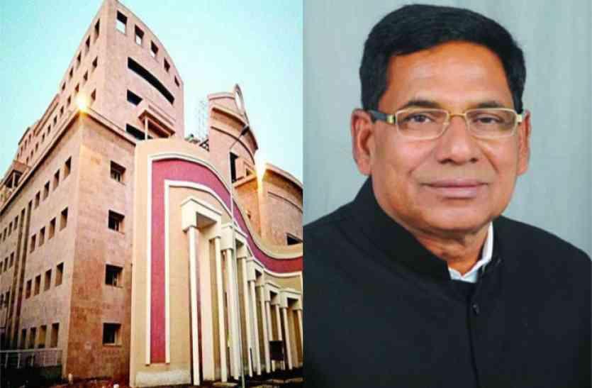 ये मामला नहीं सुलझा तो प्रदेश की सरकार बनवाएगी खुद का मेडिकल कॉलेज- श्रम मंत्री जसवंत सिंह यादव
