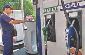 केंद्र की अपील का असर- गुजरात में कम होगी वैट की दर, घटेंगे पेट्रोल-डीजल के दाम