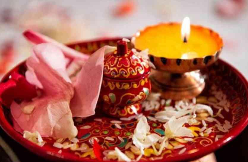 गणेश और पार्वतीजी की पूजा कर खोलें करवा चौथ का व्रत, सुखी रहेगा गृहस्थ जीवन