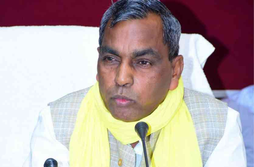 मंत्री ने बच्चों की शिक्षा और स्कूल आने पर एक विवादित बयान, सोशल मीडिया पर हो रही है खिचाई