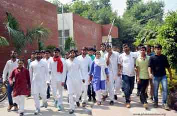छात्रसंघ चुनाव को लेकर प्रत्याशियों ने झोंकी ताकत, जानिए किसका पलड़ा दिख रहा है भारी