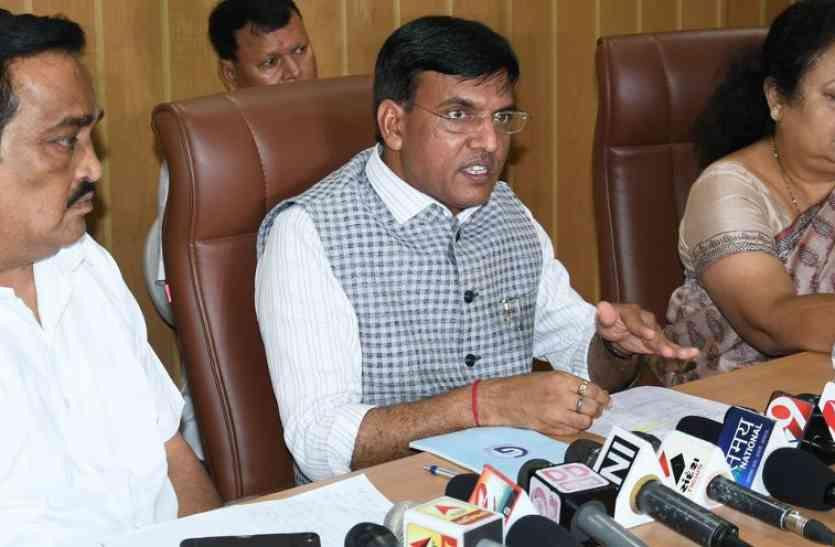 केन्द्र समस्याओं के हल के लिए कटिबद्ध : मांडविया