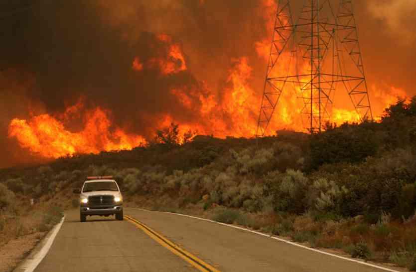 कैलीफोर्निया : जंगल में लगी भीषण आग बेकाबू, 23 की मौत, 600 से ज्याला लोग लापता