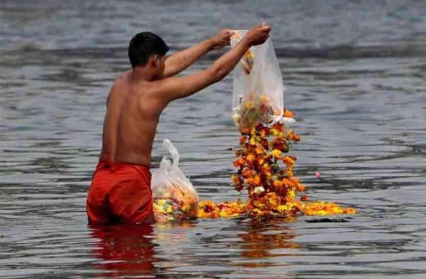 गंगा की सफाई के मोर्चे पर फेल हो गयी मोदी सरकार! मंत्री ने कहा, 2019 के पहले साफ़ नहीं हो पाएगी गंगा