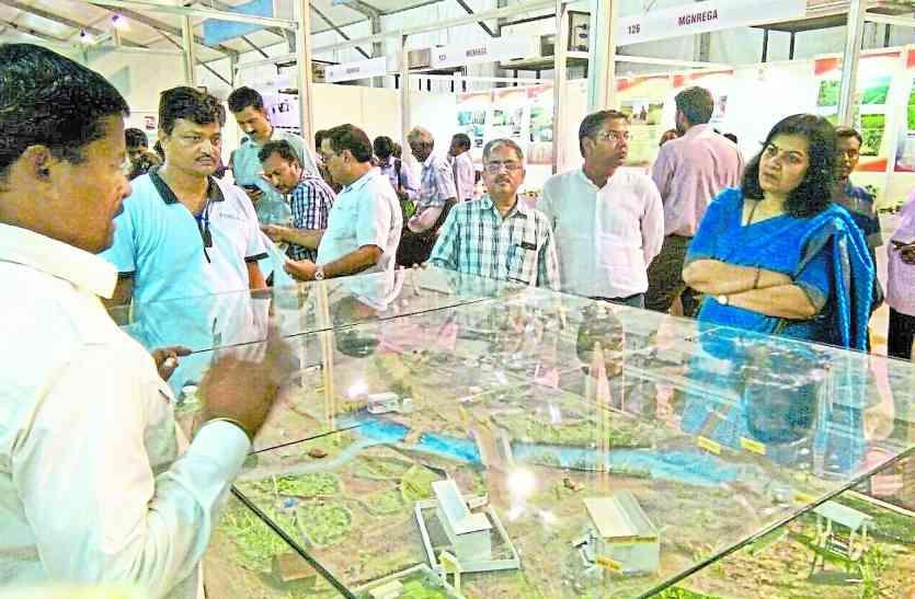 प्रधानमंत्री मोदी ने उदयपुर के इस सरपंच से की बात..मिली थपथपी या डांट..जानें पूरा किस्सा