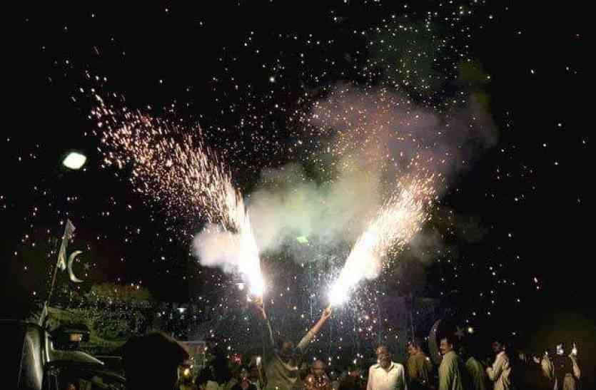 कानफोड़ू पटाखों पर प्रतिबंध, इन स्थानों पर भी नहीं चला सकेंगे पटाखे