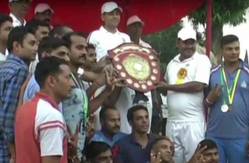 पुलिस खेलकूद प्रतियोगिता में कानपुर ने बाजी मारी