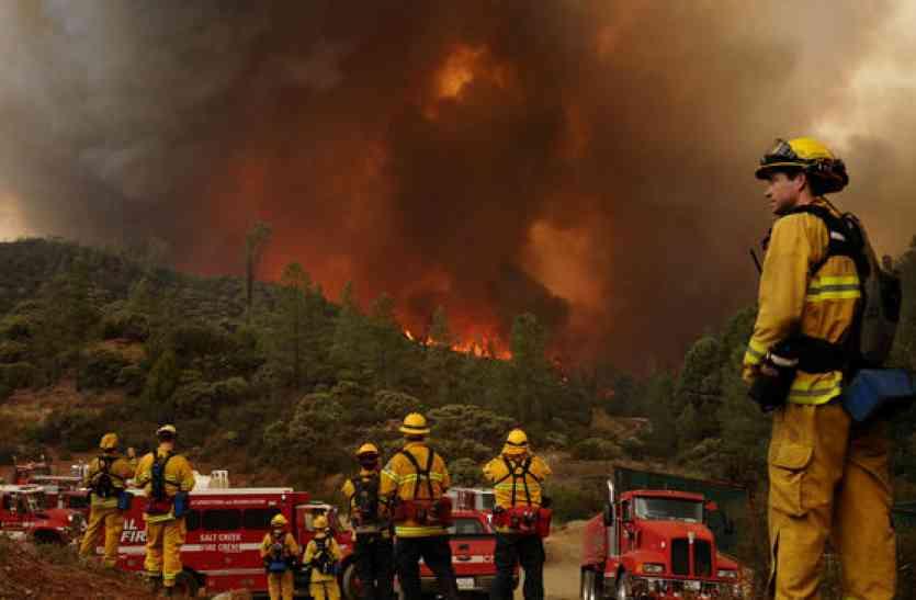 कैलिफोर्निया के जगंलों में लगी भीषण आग पर नहीं पाया जा सका काबू, अब तक 31 की मौत