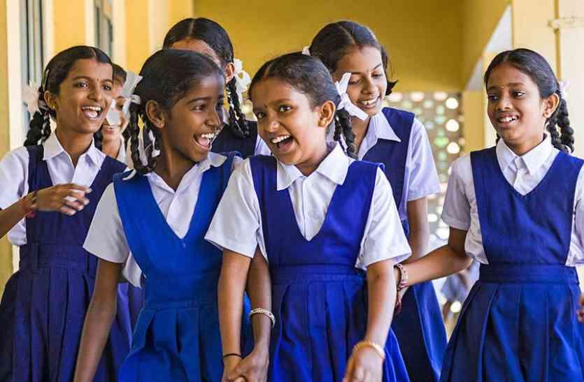 चौकिए मत! ये हकीकत है, भारत में दूसरी कक्षा के छात्र हिंदी का शब्द भी नहीं पढ़ पाते