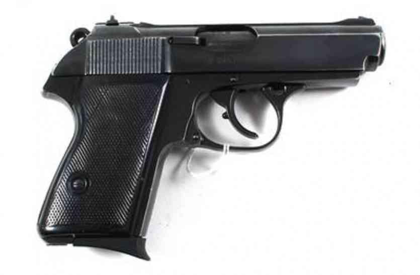 दोनों हाथ से गोली चलाते हैं यह शूटर, सुपारी लेकर करते हैं लोगों की हत्या