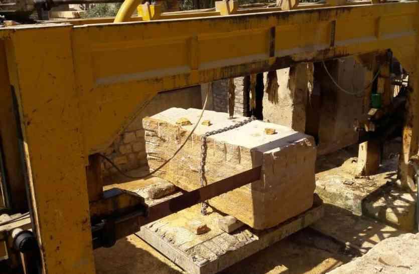 Jaisalmer- भरपूर सीजन में काम-धंधों पर गिर रही 'बिजली'