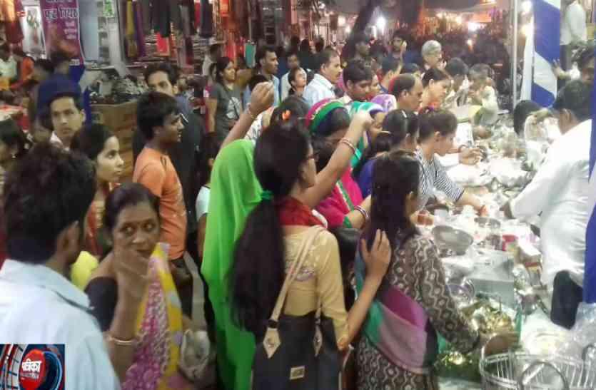 Diwali 2017: जगमगाती रोशनी से नहाया परकोटा तो यहां धनतेरस पर खरीदारी का दिखा ऐसा हाल