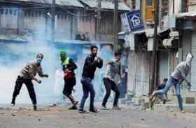 कश्मीर में जवान को चोटी कटवा बताकर भीड़ ने पीटा