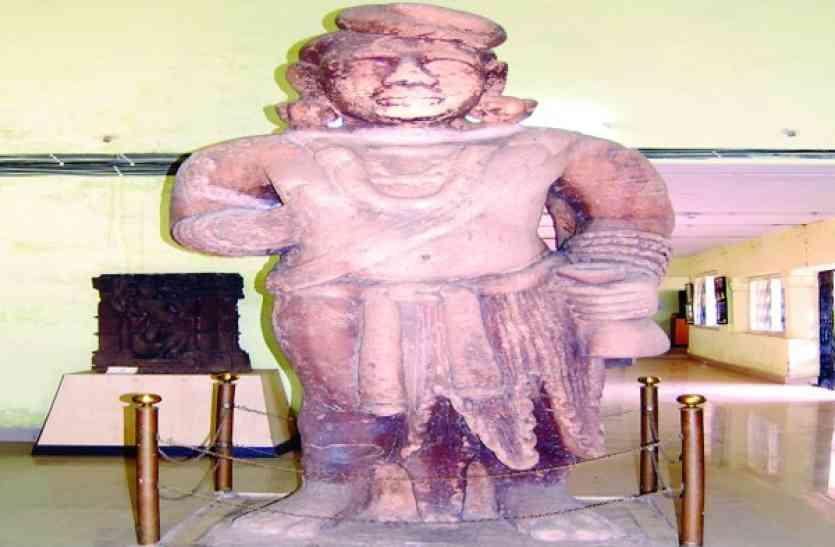 Khaskhabar/धनतेरस पर कुबेर की पूजा की जाती है। माना जाता है कि कुबेर की