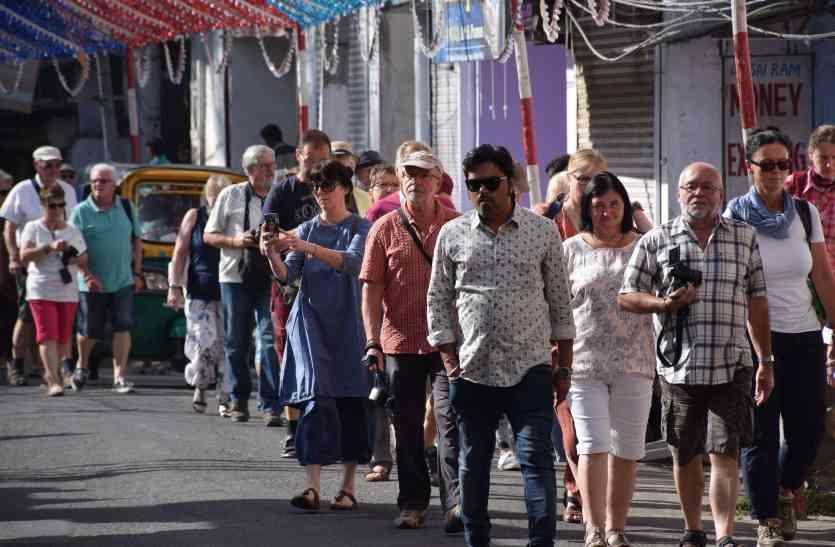 DIWALI 2017:   दिवाली है, उदयपुर में लाखों पर्यटक आएंगे, सुविधाओं के लिए कमर कस लो