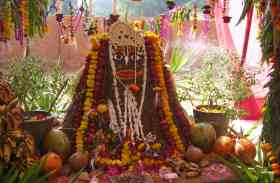 दीपावली के अगले दिन क्यों मनाया जाता है गोवर्धन पर्व, जानिए खास रिपोर्ट में