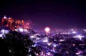 दिवाली की रात : जोधपुर में आसमां से बरसे हीरे-मोती, देखें आकर्षक तस्वीरें-