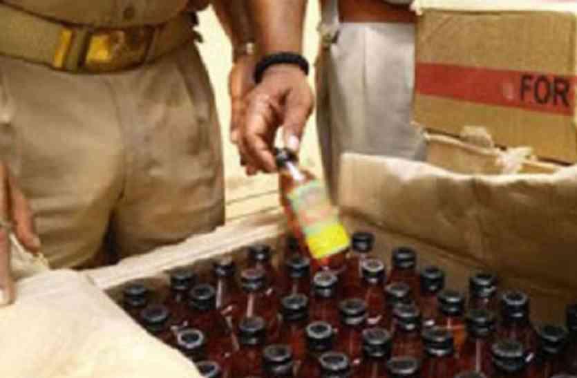 शराब फैक्ट्री पकड़े जाने के बाद आजमगढ़ के एसआई समेत आठ पुलिसकर्मी निलंबित