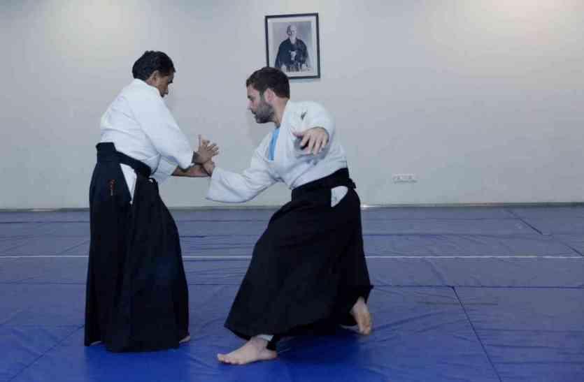 मार्शल आर्ट के करतब दिखाते कैमरे में कैद हुए राहुल गांधी