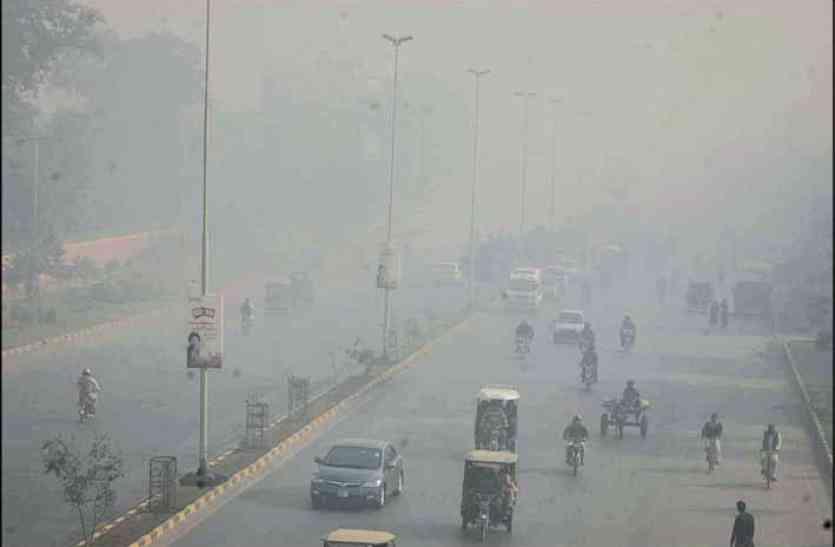 भारतीय किसानों की वजह से पाकिस्तान में छाई धुंध और कई लोग बीमार