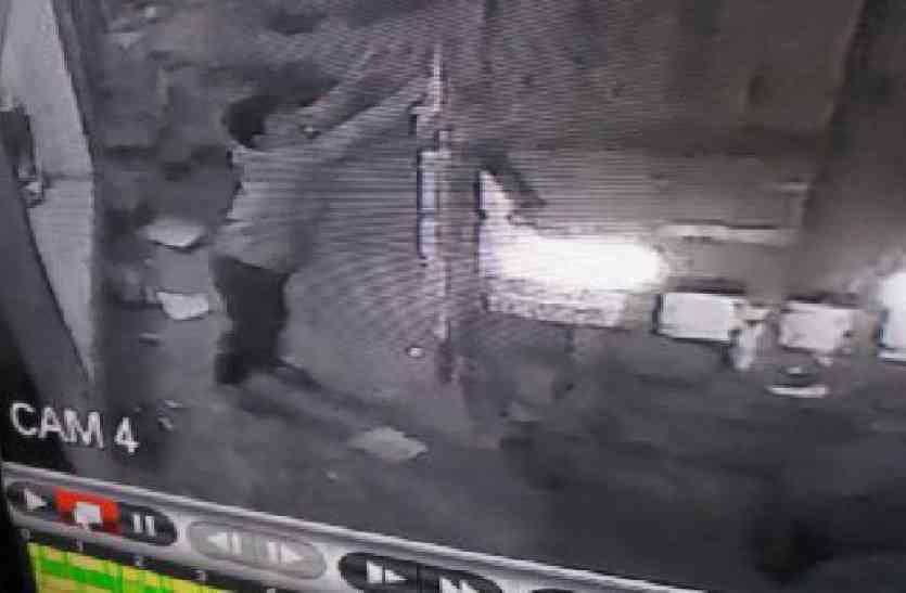 police negligency: सड़कों पर फर्राटे भर रहा चोरी का ट्रक, इस वीडियो ने मचाया हड़कम्प, आप भी देखें
