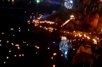 देव दीपावली पर शक्ति धाम का अनोखा नजारा, 21हजार दीपों की रोशनी से जगमगाया