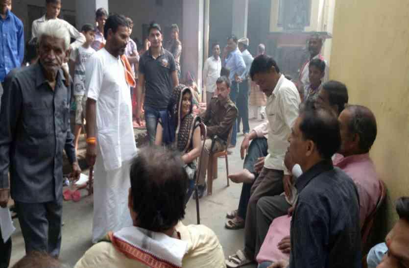 अखिलेश के मंत्री को जेल भिजवाने वाली महिला ने बीजेपी से मांगा टिकट, सपाइयों में हड़कंप