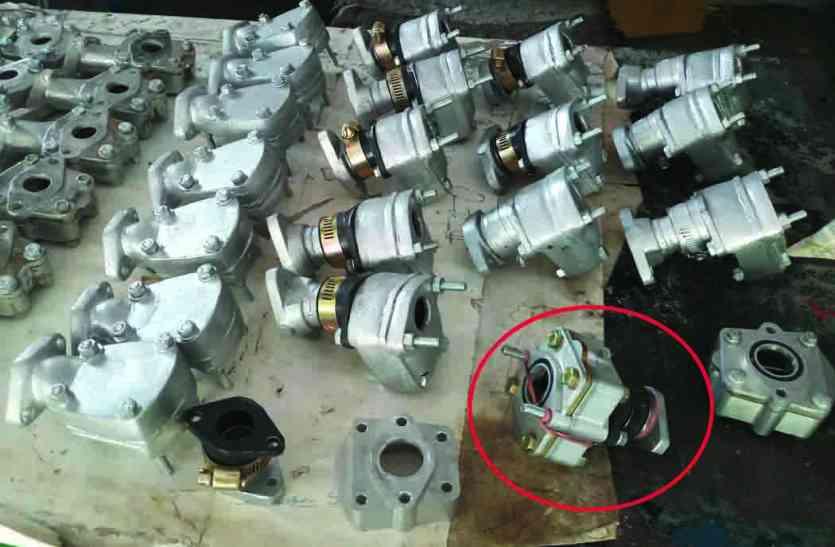 EXCLUSIVE : 15प्रतिशत पेट्रोल की खपत कम करेगी 'माइलेज मशीन' : मोटर साइकिल मिस्त्री ने बनाई, 500 रुपए का आएगा खर्च