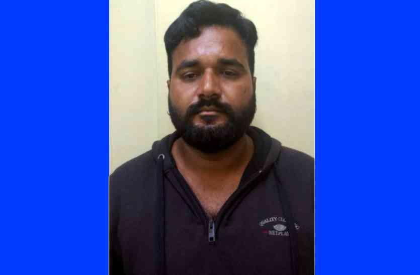 एटीएस मुख्यालय में गिरफ्तार आरोपित ने पेट और गला चीरा