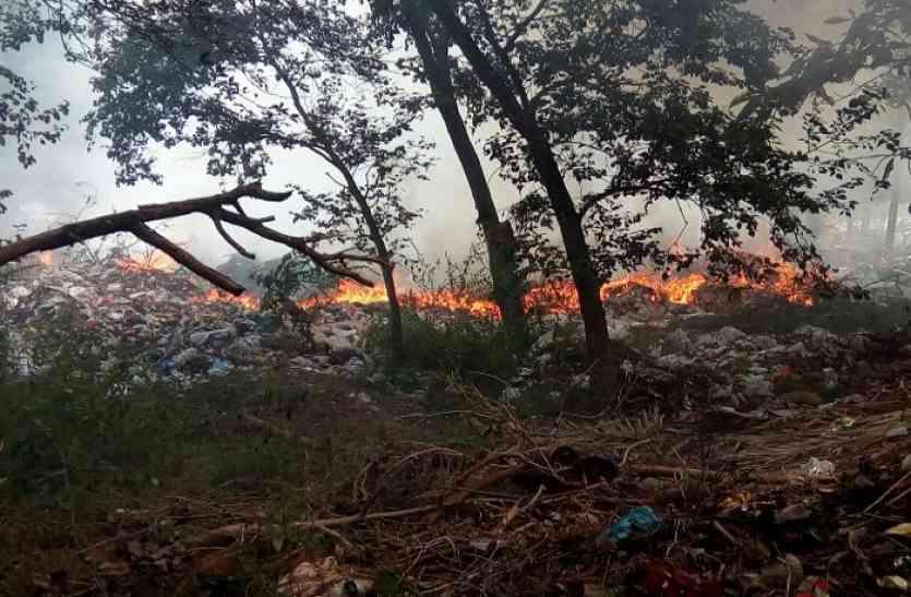 बीएसपी जवाहर उद्यान और नेवई ट्रेंचिंग ग्राऊंड में लगी भीषण आग