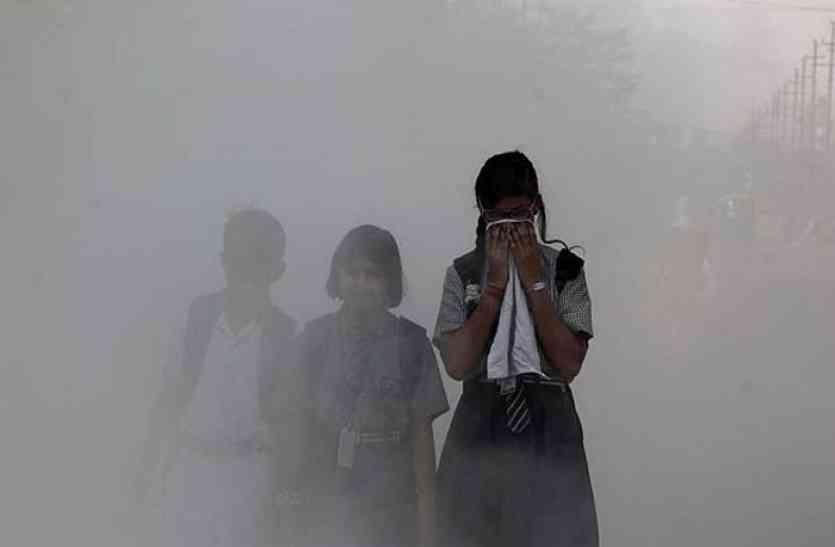प्रदूषण की परत से सहमा कानपुर, धुंध के चलते जनजीवन प्रभावित
