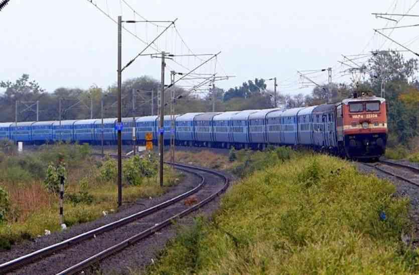 trains में लगेगें एक्सट्रा कोच, इन ट्रेनों में बढ़ाई गई है ये सुविधा