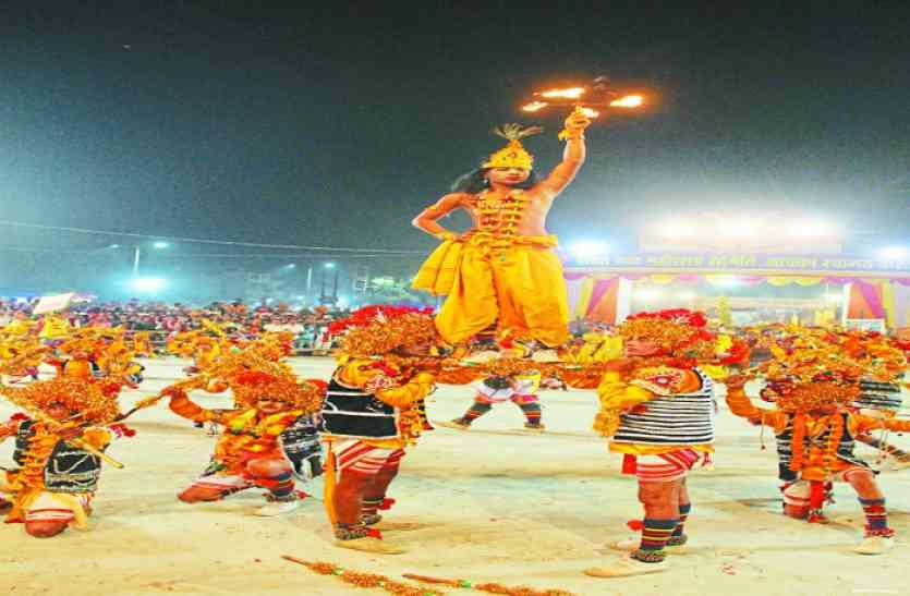 कृष्ण की लीलाओं को प्रस्तुत करते हुए रातभर यदुवंशियों ने दिखाई शौर्यकला, देखें वीडियो