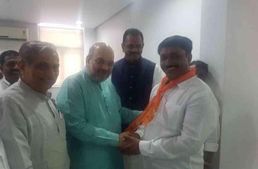 पांच दिन पहले कांग्रेस में शामिल राजू सोलंकी अब भाजपा में