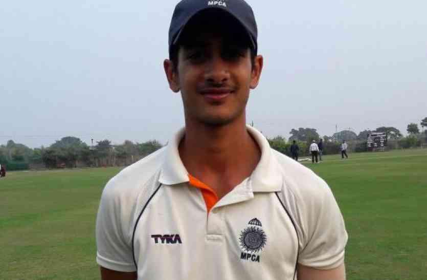 बिरला के बेटे ने क्रिकेट मैच में बनाए 230 रन, रणजी में खेलेंगे, जानिए एमपी से क्या है नाता