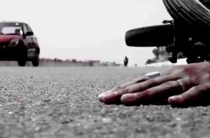 बसपा नेता के वाहन ने बाइक को मारी टक्कर, एक युवक की मौत