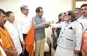 पूर्व भाजपा विधायक हरेश भट्ट शिवसेना में शामिल
