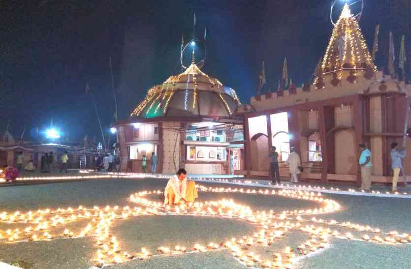 दादाजी के 84 खंभे के मंदिर का नाम भक्तों ने दिया पांचवा धाम