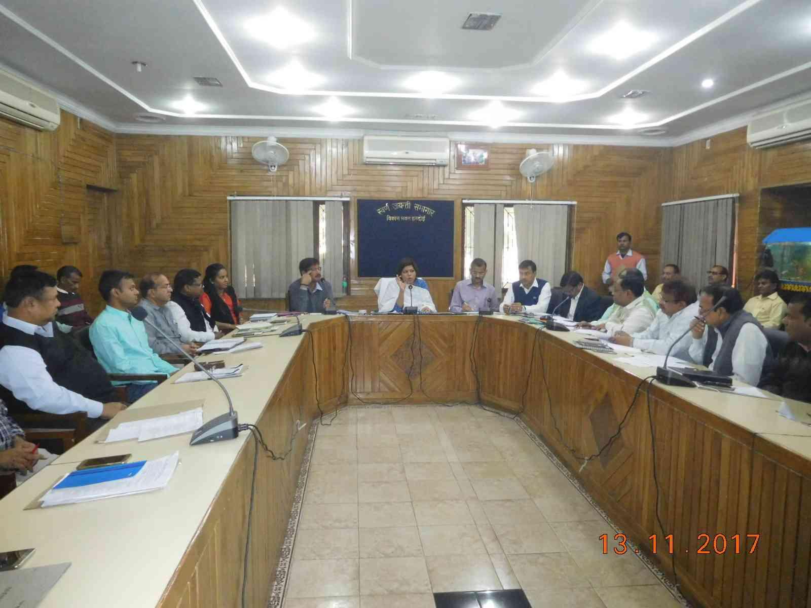 Hardoi DM Shubhra Saxena Review Meeting