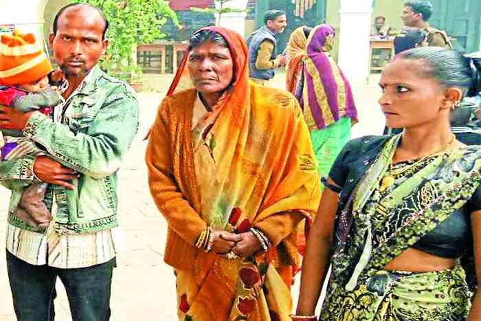 mentally ill mother agonising to meet daughter in Nari Niketan