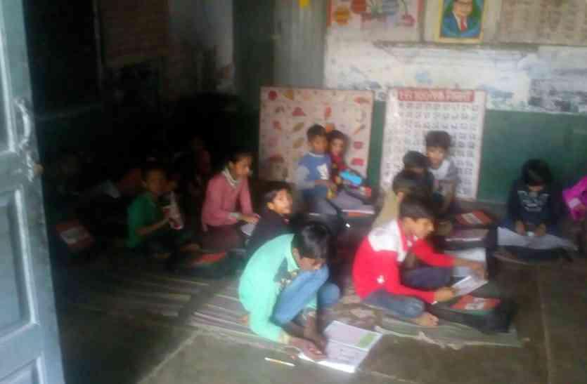 स्कूली बच्चे बोले,  चाचा नेहरू सितंबर में पैदा हुए थे, आज अम्बेडकर दिवस है