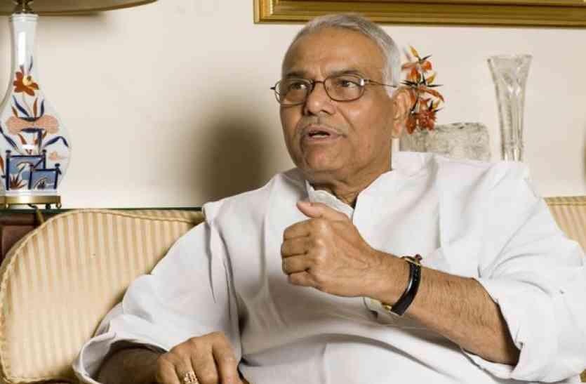 भाजपा नेता यशवंत सिन्हा बोले, वित्त मंत्री जेटली गुजरात के लिए बोझ