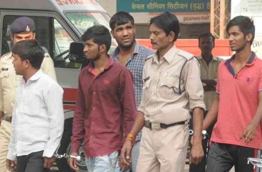 खाली तमंचे के दम पर लूटे थे दिनदहाड़े 18 लाख रुपए